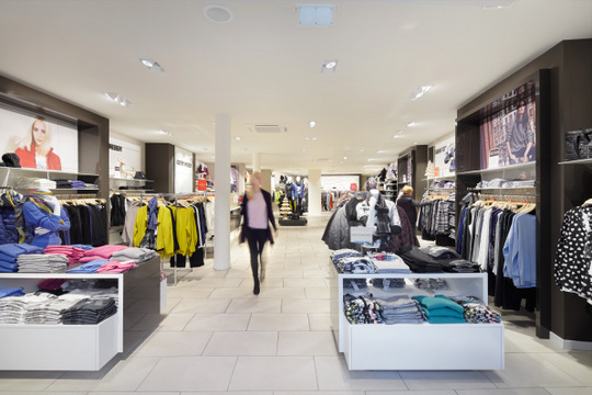 Gerry Weber store after installation of the new lighting. Image courtesy of Zumtobel.